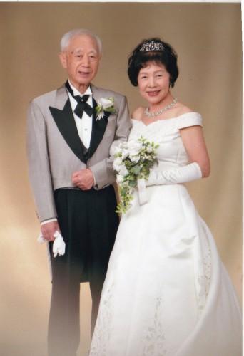 金婚式:素敵な洋服で髪のセットもして頂いて金婚式写真良かった