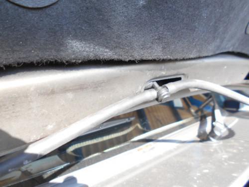 ボルボ240フロントガラスウォッシャー液つまりバルブ取替