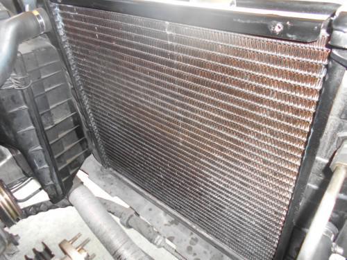 ボルボ240無名ラジエーター漏れで逆にオーバーヒート取替