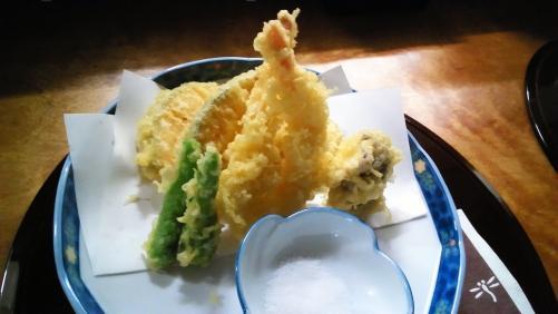 天ぷらの盛り合わせ。個室で宴会、女子会を!
