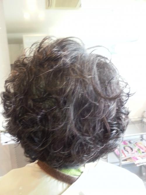 そろそろ髪を、パーマでしょう☆